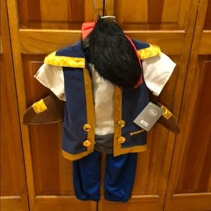 NWT Jake and the Neverland Pirates Costume
